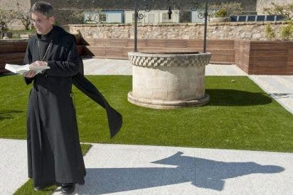 El abad de Santo Domingo de Silos se despide de su cargo