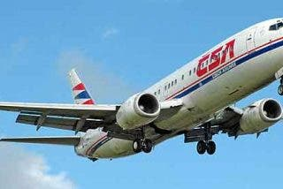 Muere el piloto en vuelo y al avión aterriza sin problemas