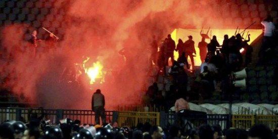 Más de 70 muertos por disturbios en un partido en Egipto