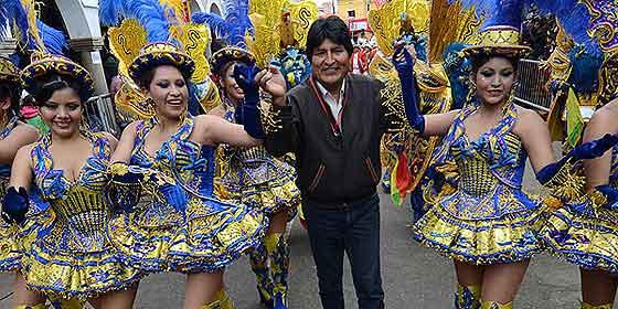 """Evo Morales: """"Presidente de buen corazón, a todas las ministras quita el calzón"""""""