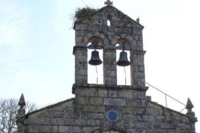 Destrozan un retablo para robar 30 euros en una iglesia de Lugo