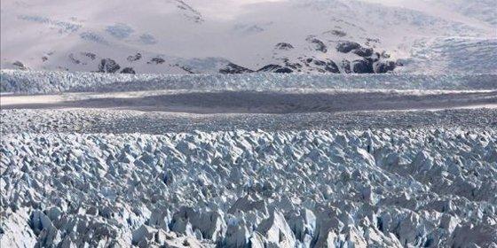 Roban más de cinco toneladas de hielo de un glaciar chileno