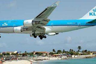 Los viajeros de avión caen 0,4% y los del AVE suben 2,9%