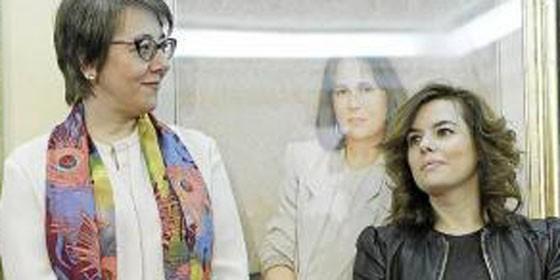 ¿Quiénes son los 'caballeros de la mesa redonda' de Carmen Martínez Castro?