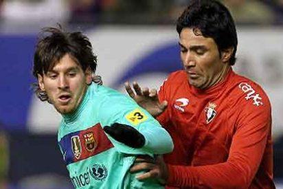 El Barça cae en casa del Osasuna y la Liga tiene un color: el blanco