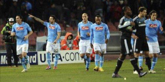 El Nápoles pone contra las cuerdas al Chelsea y a Villas-Boas (3-1)