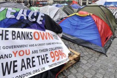 Detienen a 20 personas tras desalojar el campamento 'Occupy London'