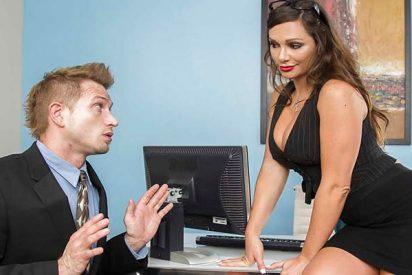 Una de cada 10 personas confiesa que de vez en cuando disfruta del sexo en su trabajo