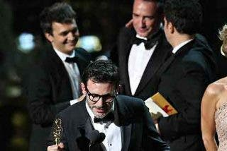 La belleza de 'The artist' enmudece a todo Hollywood con cinco Oscar