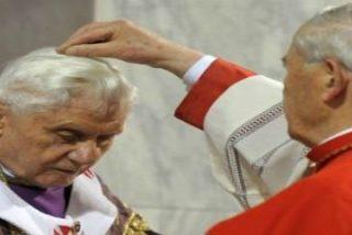 """Benedicto XVI: """"Más allá de la muerte, Dios nos abre la puerta a la Resurrección"""""""
