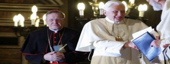 """Cardenal Kasper: """"El Papa está muy triste por las peleas internas"""" en la Curia"""