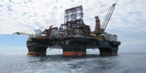 Le española Repsol busca petróleo en aguas cubanas