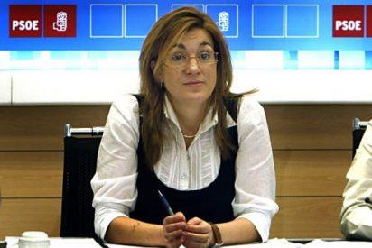El PSOE acusa al Gobierno de pactar con la Iglesia y la CEOE