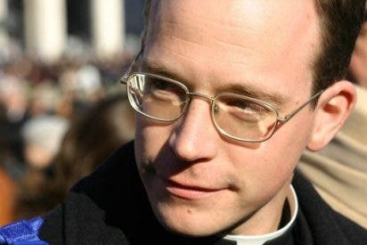 El joven vicario y las vírgenes inquietas de Los Legionarios de Cristo
