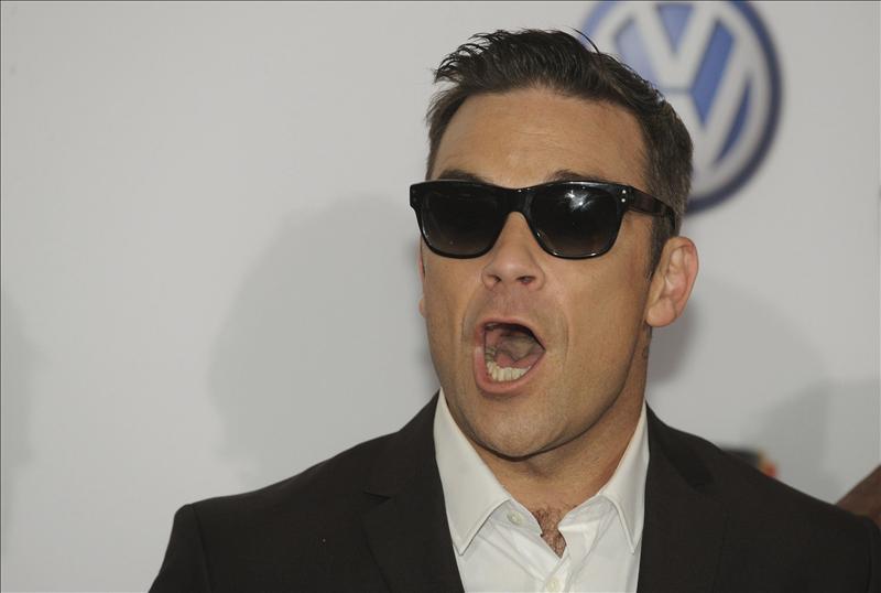 Robbie Williams revela emocionado que va a ser padre