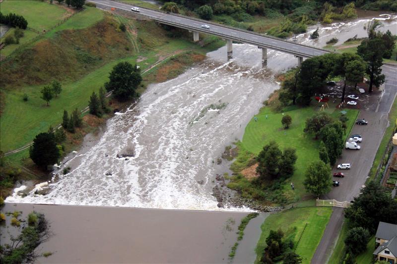 Cerca de 1.700 evacuados a causa de las inundaciones en Australia