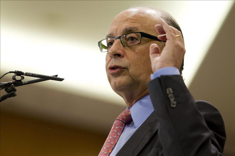 El Gobierno y las CC.AA. abordan hoy el nuevo objetivo de déficit para 2012