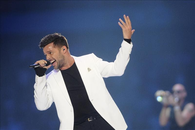 """Ricky Martin dice ha iniciado """"fascinante"""" viaje con su retorno al teatro"""