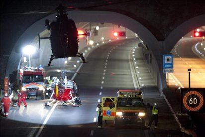 Al menos 28 muertos, de ellos 22 niños, en un accidente de autobús en Suiza