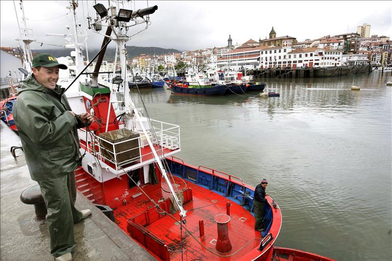 Mozambique multa con 927.000 euros a un atunero español por pesca ilegal