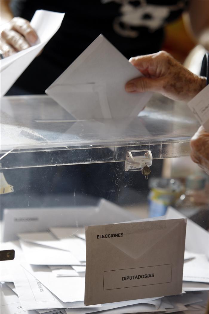 Los andaluces y asturianos en el exterior votan desde hoy en los consulados