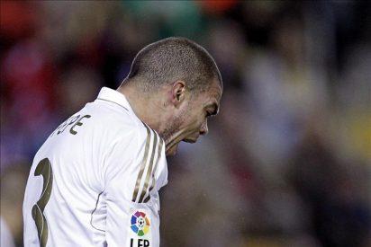 Paradas Romero refleja en el acta graves insultos de Pepe