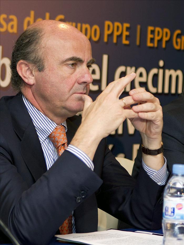 De Guindos explica en Singapur el programa de reforma económica de España