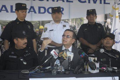 """Ministro de El Salvador confirma una """"tregua"""" entre las pandillas pero alerta sobre su fragilidad"""