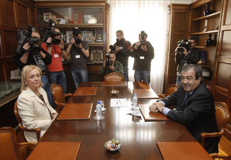 El candidato socialista Fernández se reunirá con Foro, PP y UPyD