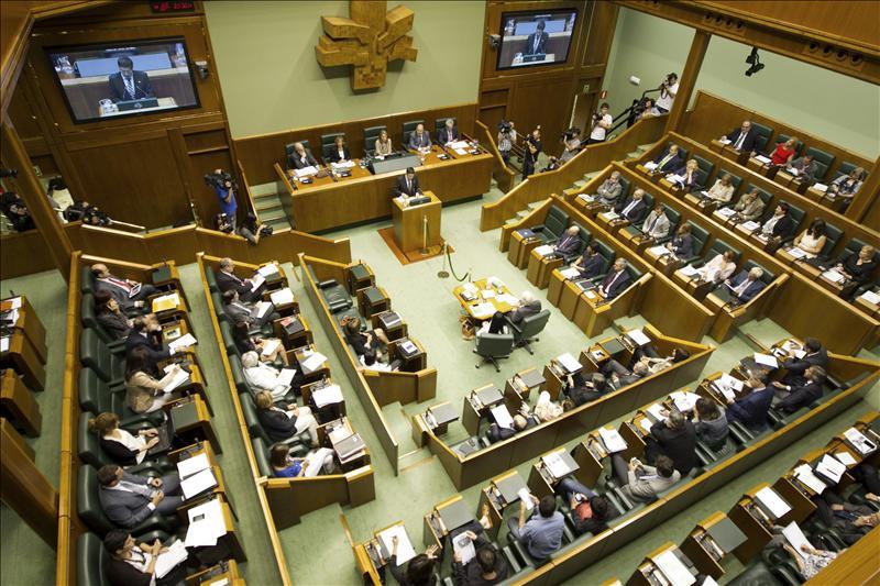 El PP apoyará la ponencia si se garantiza que los asistentes condenan a ETA