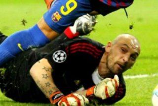 Telemadrid se enfunda la 'rossonera' y pide amarilla para Alexis Sánchez por tirarse en un posible penalti