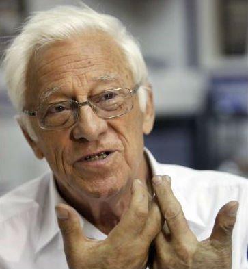 El padre Ángel, junto al Papa en Cuba