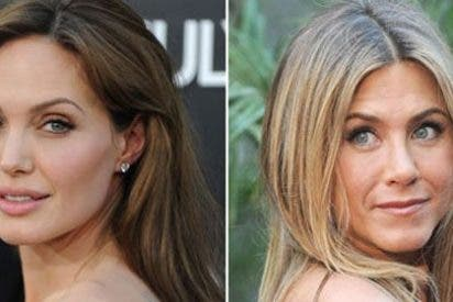 Angelina Jolie retrasa su boda con Brad Pitt por un ataque de celos