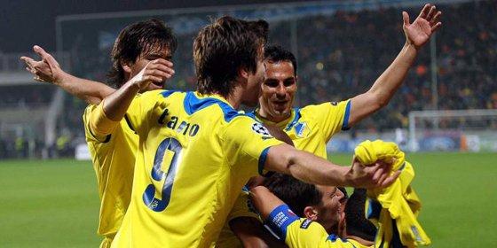 El Apoel apea al Lyon y continúa soñando en la Champions League