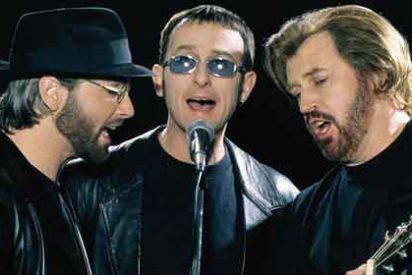El cáncer acorrala a los 'Bee Gees', el trío de los 200 millones de discos