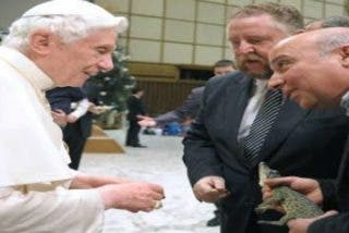"""El """"cocodrilo del Papa"""" viajará con él a Cuba"""