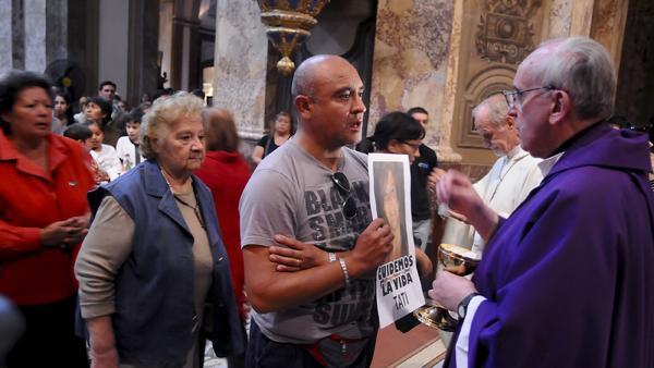 """Bergoglio: """"Hay responsables irresponsables que no cumplieron con su deber"""""""