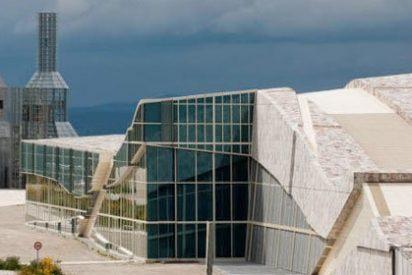 De monumento a Fraga a monumento a la corrupción y el despilfarro
