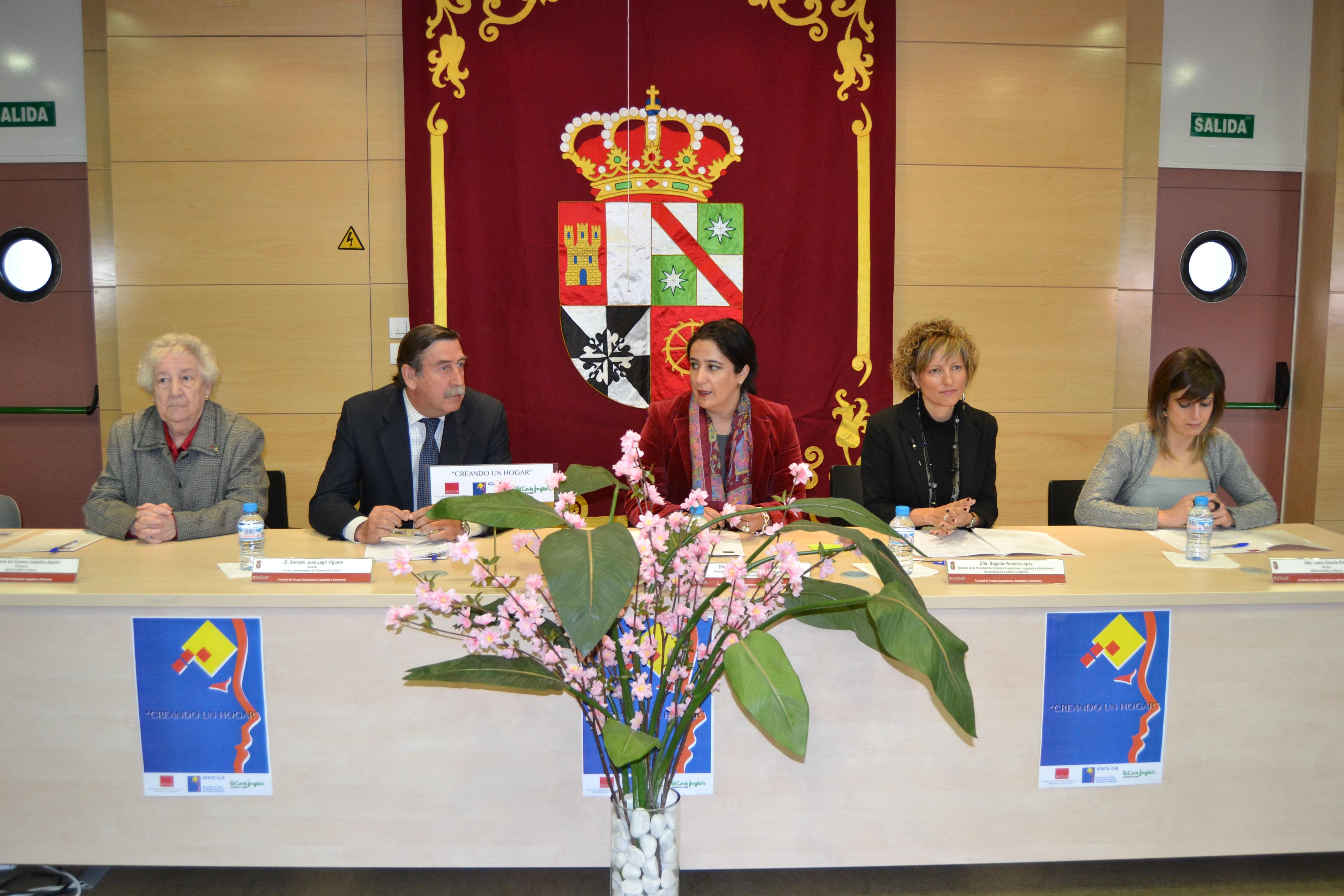 La Universidad de Castilla-La Mancha, Adace y El Corte Inglés firman un convenio de colaboración