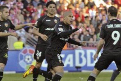 El Valencia vuelve a ganar lejos de Mestalla a costa del Granada (0-1)