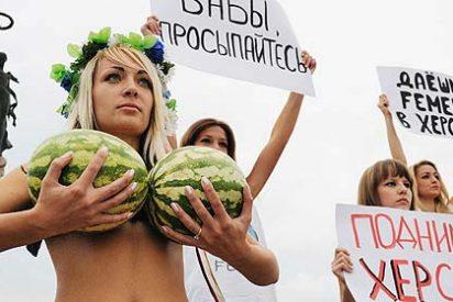 Las feministas del este optan por desnudarse del todo para protestar