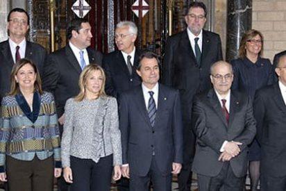Despifarro catalán: Mas tiene 42 asesores que dependen directamente de él