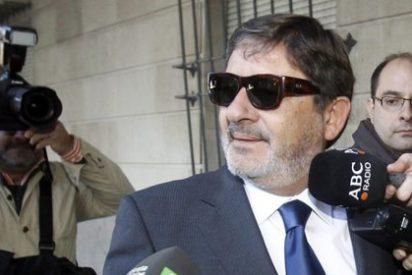 Al director general de los EREs falsos andaluces le mangan hasta las gafas en prisión