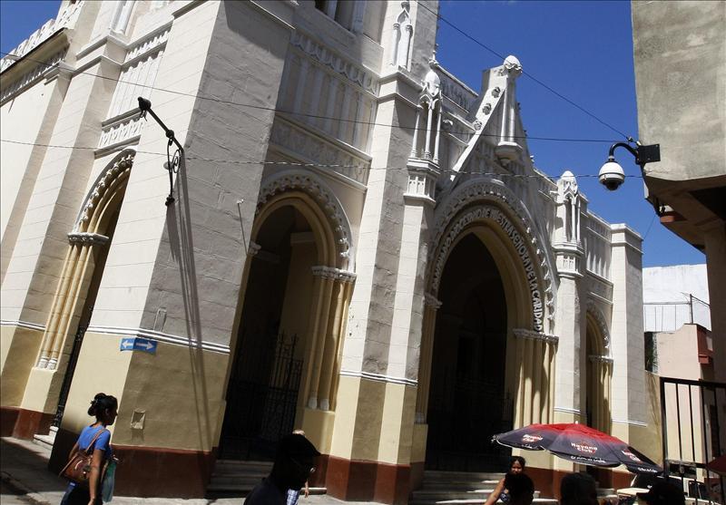 Desalojados los 13 disidentes que ocuparon una iglesia en La Habana