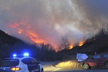 El fuego calcina 1.500 hectáreas en el Prineo catalán y aragonés