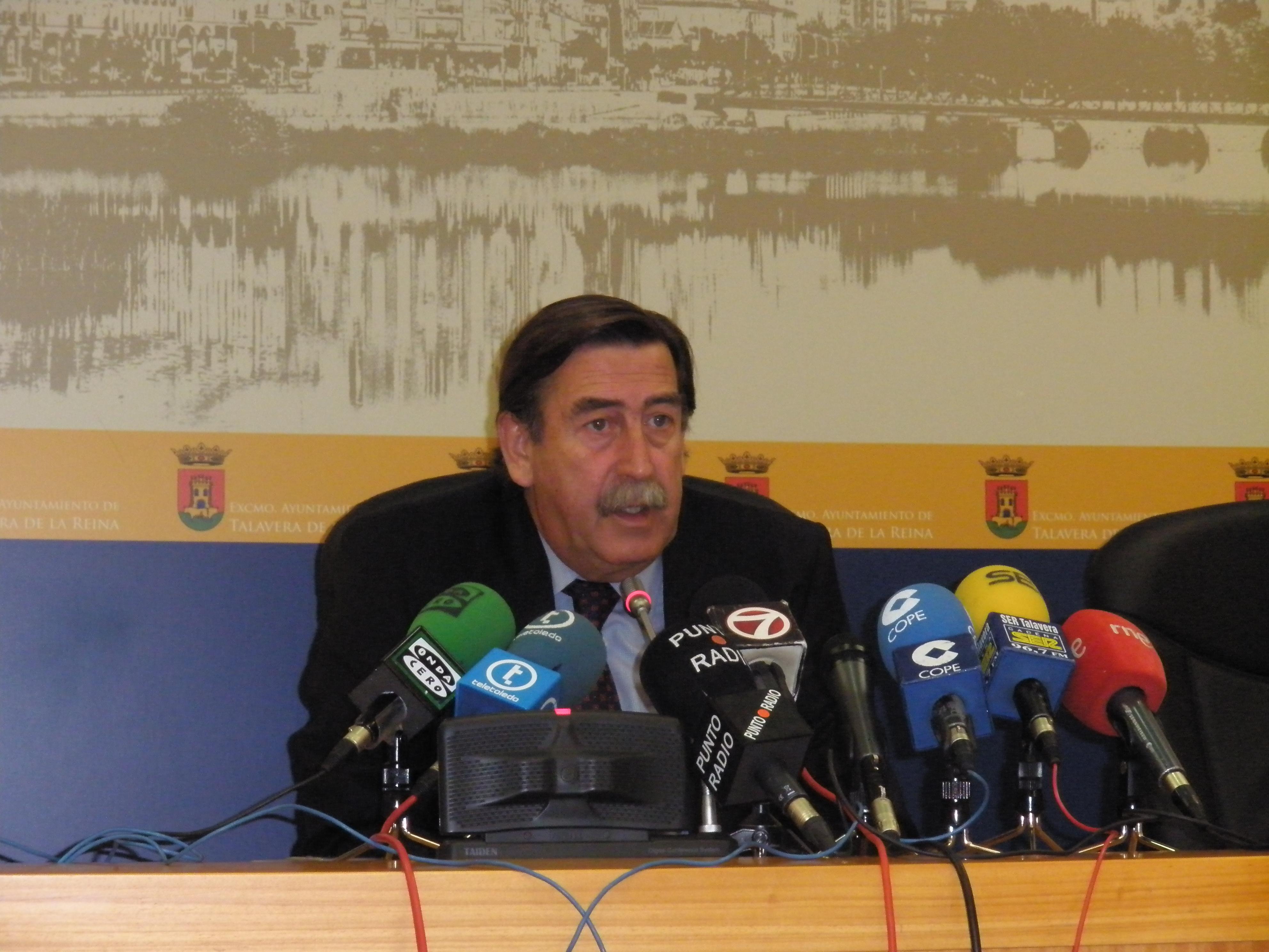 El Alcalde asegura sentirse orgulloso de que el PP celebre su XII Congreso regional en Talavera