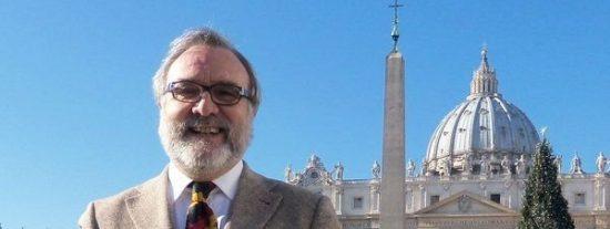 """El vaticanista Marco Politi dice que la Iglesia de Ratzinger """"está estancada"""""""