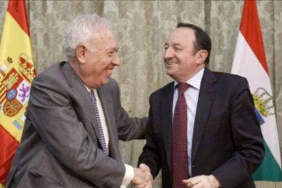 Margallo pone a La Rioja de ejemplo al integrar su 'embajada'