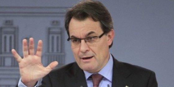 Artur Mas recortará hasta el 5% el sueldo de los funcionarios