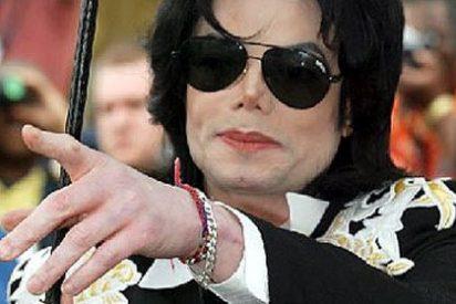 Paris Jackson cree que la voz del último album de su padre es de un impostor